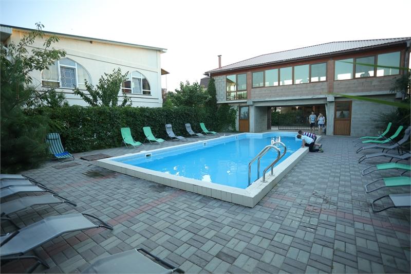 гостиницы Поповки с бассейном