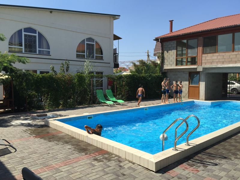 Гостевой дом в Поповке с бассейном